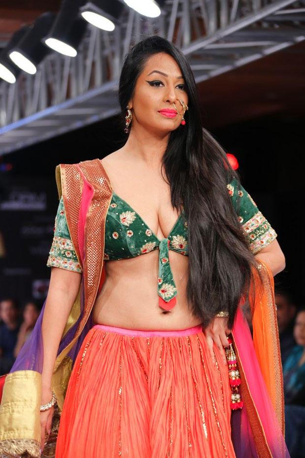 Kashmira Sexy Photo On Ramp At Blenders Pride Hyderabad International Fashion Week