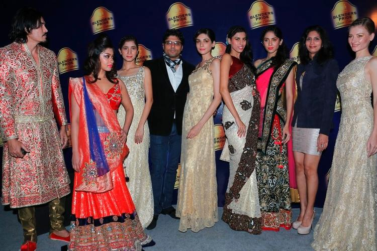 Payal With Hot Models Pose For Photo At Blenders Pride Hyderabad International Fashion Week