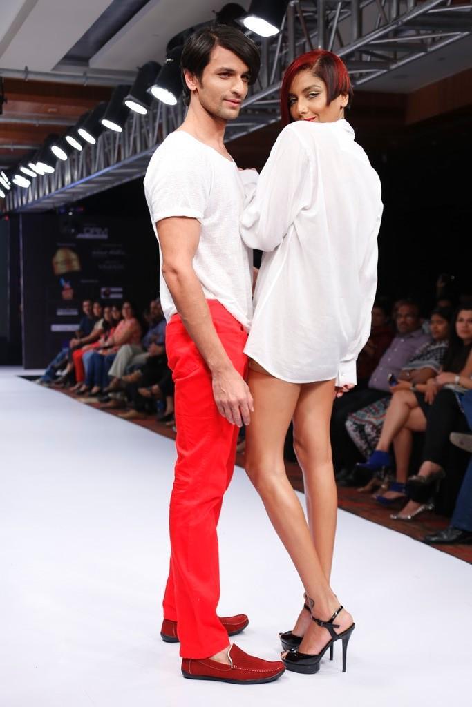 Sexy Models On Ramp At Blenders Pride Hyderabad International Fashion Week