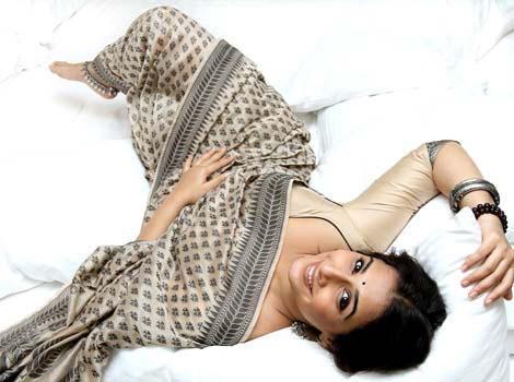 Vidya Balan Drop Dead Nice Look Still