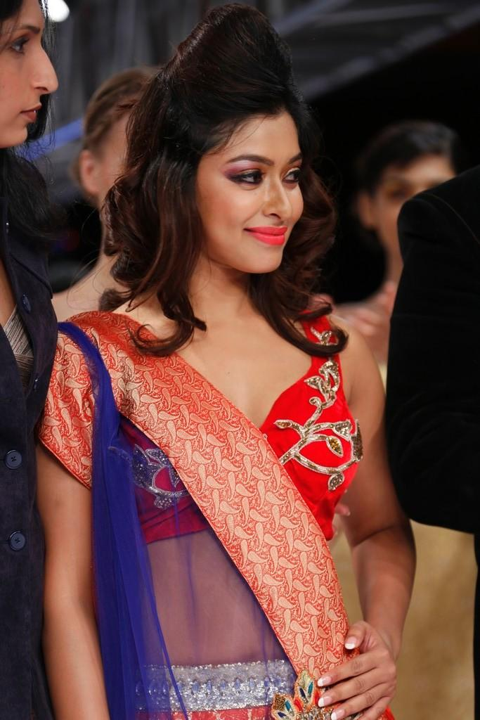 Payal Ghosh Hot Look At Blenders Pride Fashion Week 2012 Day 3