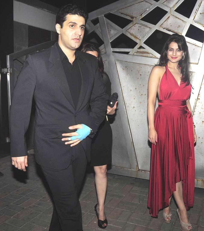 Ameesha With Her Friend Kunal Spotted At Jackky Bhagnanis Birthday Bash