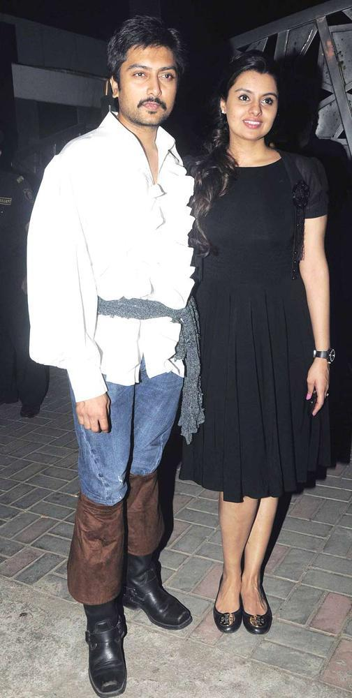 Celebs Posed For Photo At Jackky Bhagnanis Birthday Bash