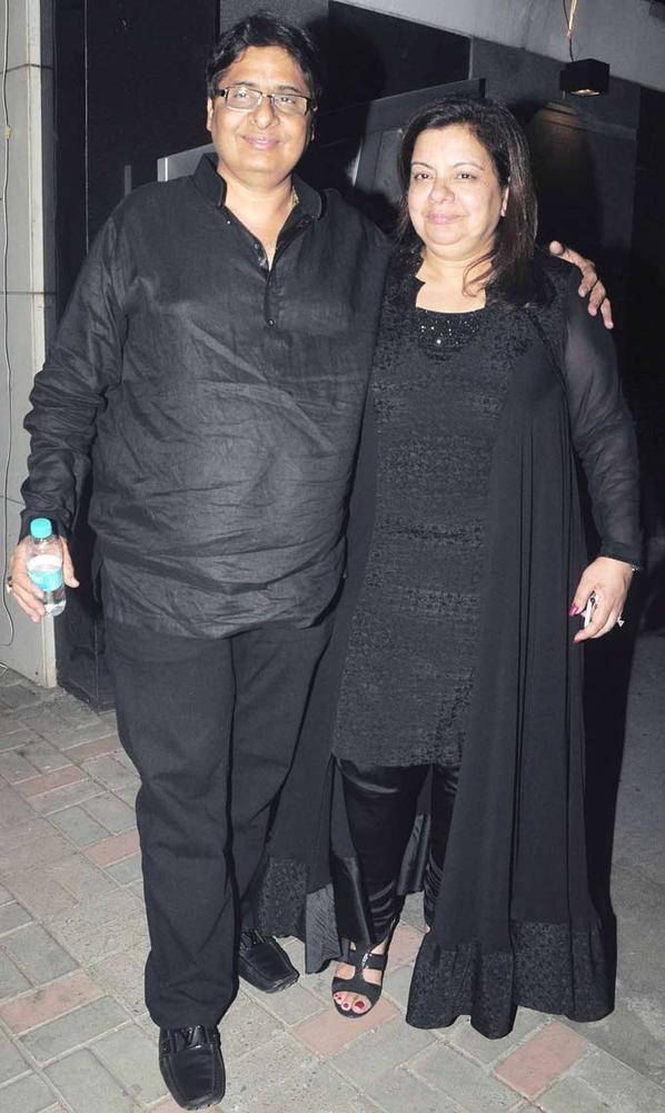 Vashu And Honey In Black Present At Jackky Bhagnanis Birthday Bash