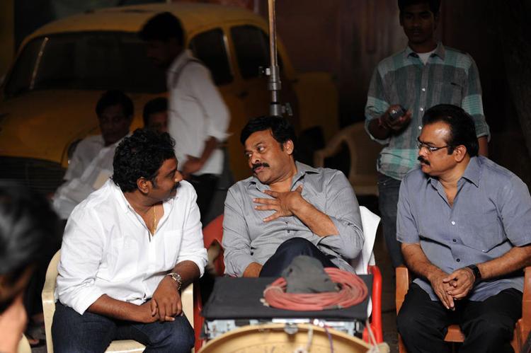Chiranjeevi With Vinayak And Danayya Spotted At Naayak Movie Sets During An Item Song