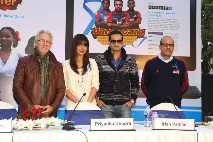 Priyanka And Irfan Posed For Camera At Unicef Cheer-O-Meter Launch Event