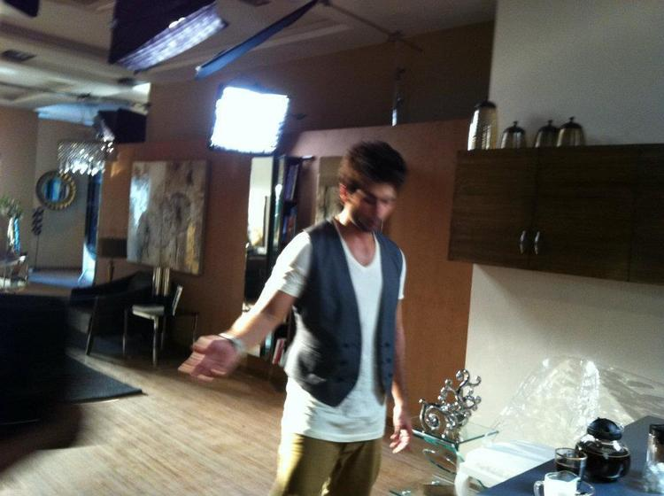 Shahid Kapoor Acting Still On The Sets Of New Bru Coffee Ad