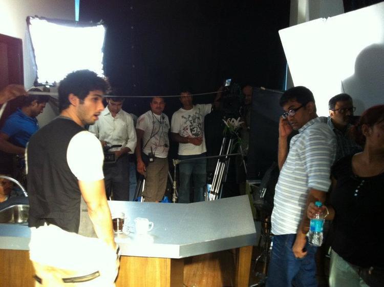 Shahid Kapoor Nice Still On The Sets Of New Bru Coffee Ad
