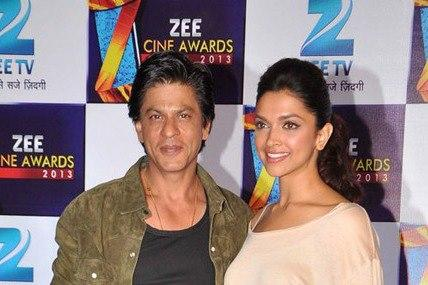 Shahrukh And Deepika Clciked At Zee Cine Awards Press Conference