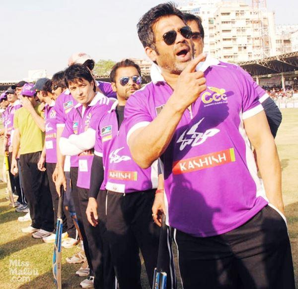 Suniel Shetty Attend The Crescent Cricket Cup 2012