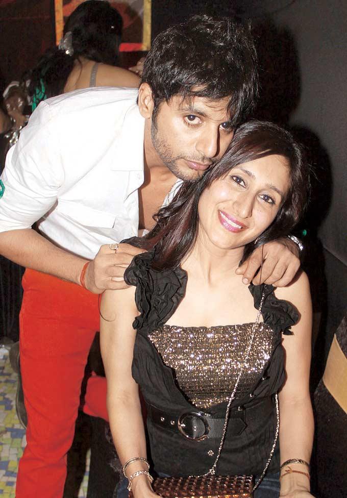 Karanvir Bohra With Wife Teejay Sidhu Posed At Raell Padamsee Christmas Bash