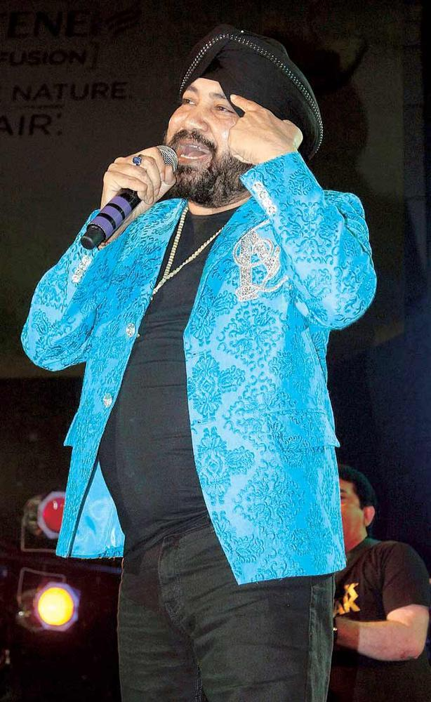 Daler Mehndi Performs At Mulund Festival Grand Finale 2012