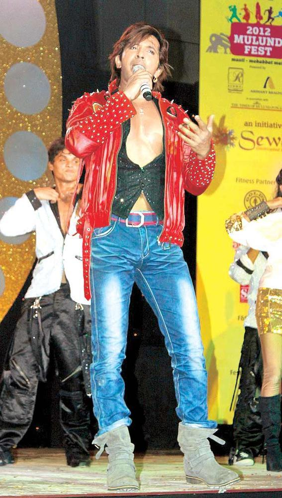 Terrence Lewis Is On A Roll At Mulund Festival Grand Finale 2012