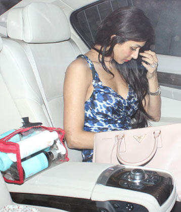 Malaika Spotted Inside The Car At Salman Khan Birthday Bash