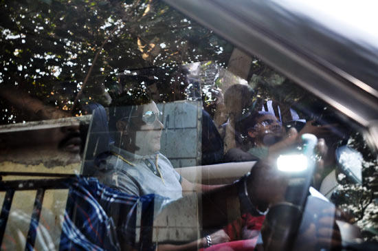 Salman In Car For Meet Fans At His Birthday Bash