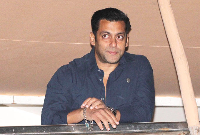 Salman Khan Waves To Crowd Gathered Outside His Residence At His Birthday Bash
