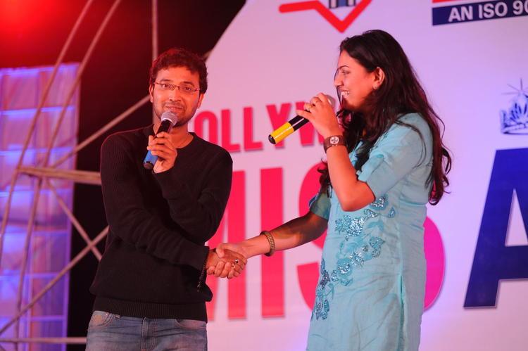 Geeta Madhuri Speaks On At Tollywood Miss AP 2012 Grand Final