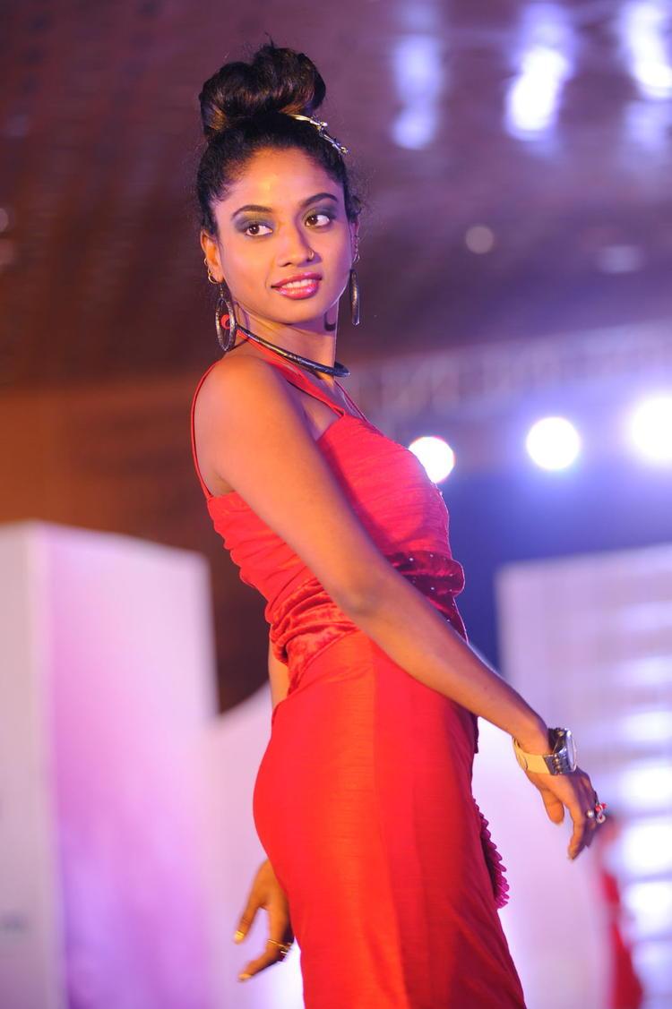 A Hot Model At Tollywood Miss AP 2012 Grand Final