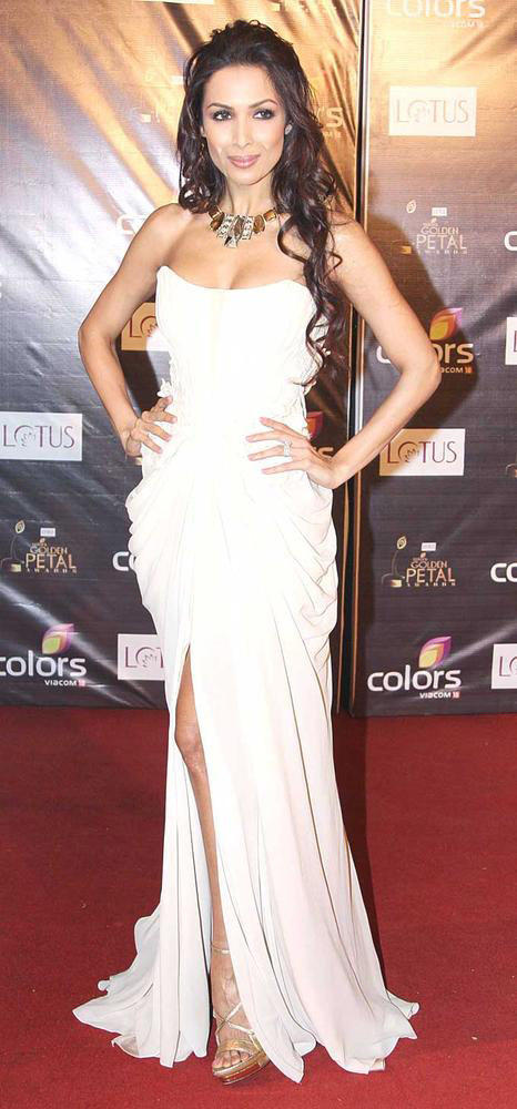 Malaika Sexy Appearance In A White Gown At Colors Award