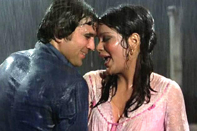 Rajesh And Zeenat Hot Scene In Bheegi Bheegi Raaton Mein Song Still From Ajnabee Movie