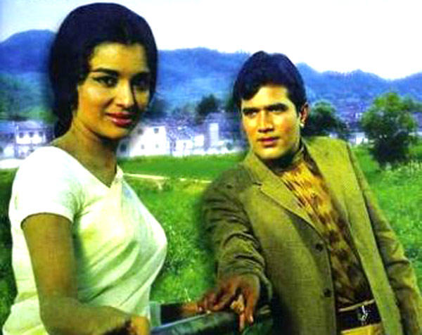 Rajesh Khanna And Asha Parekh A Song Still From Kati Patang