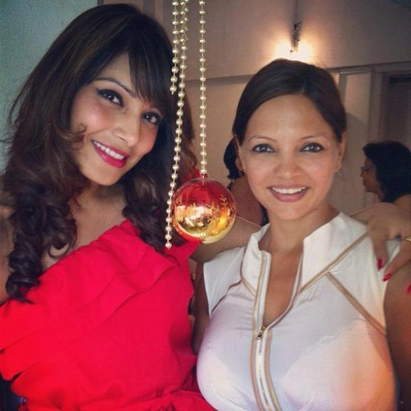 Bipasha Basu And Friend Deanne Panday Celebrate Christmas