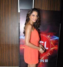Bipasha Hot Smiling Still At Celebrity Cricket League Press Conference