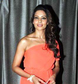 Bipasha Sexy Look Photo Clicked At Celebrity Cricket League Press Conference