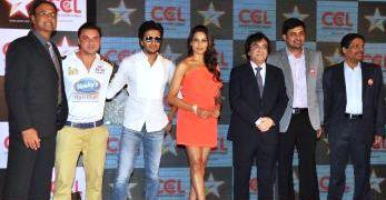 Sohail,Riteish And Bipasha With Other Celebs Posed For Camera At Celebrity Cricket League Press Conference