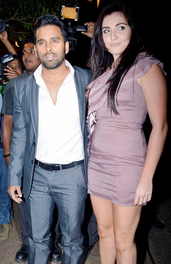 Guests Are Attend The Bunty Walia Wedding Reception Party