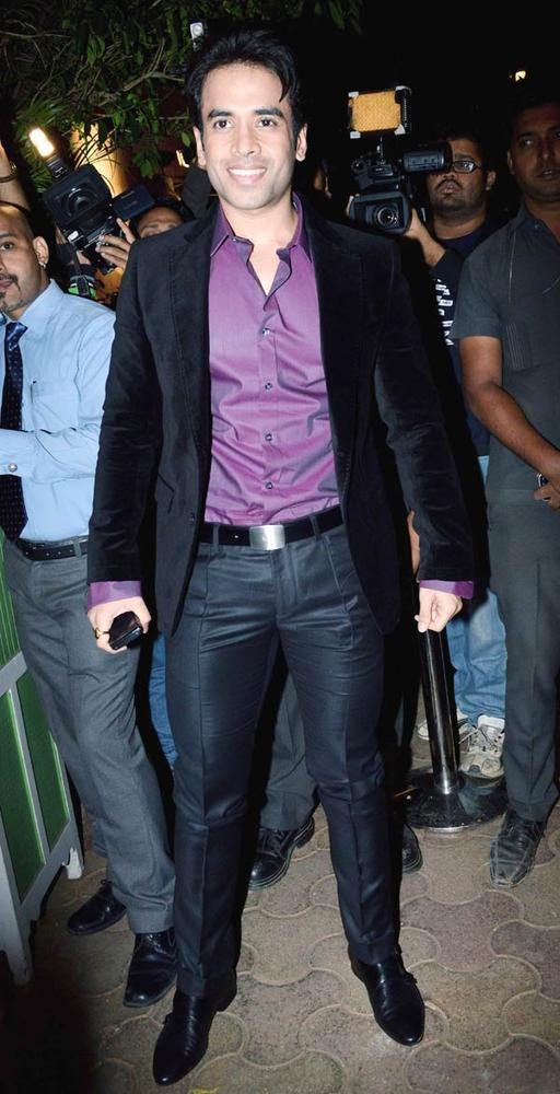 Tusshar Kapoor Flashes A Smile At Bunty Walia Wedding Reception Bash