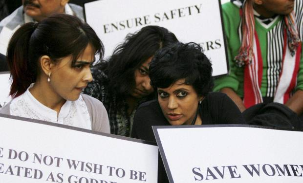 Genelia And Mandira Attend Candle Light Rally To Pay Tribute To The Gang Rape Victim