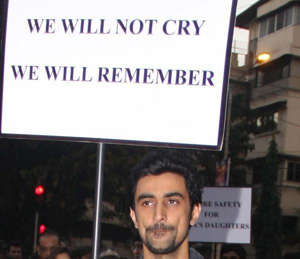 Kunal With The Pla Card Attend Candle Light Rally To Pay Tribute To The Gang Rape Victim