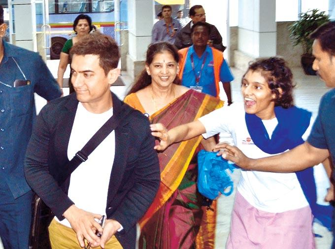 Aamir Khan Spooted At The Airport