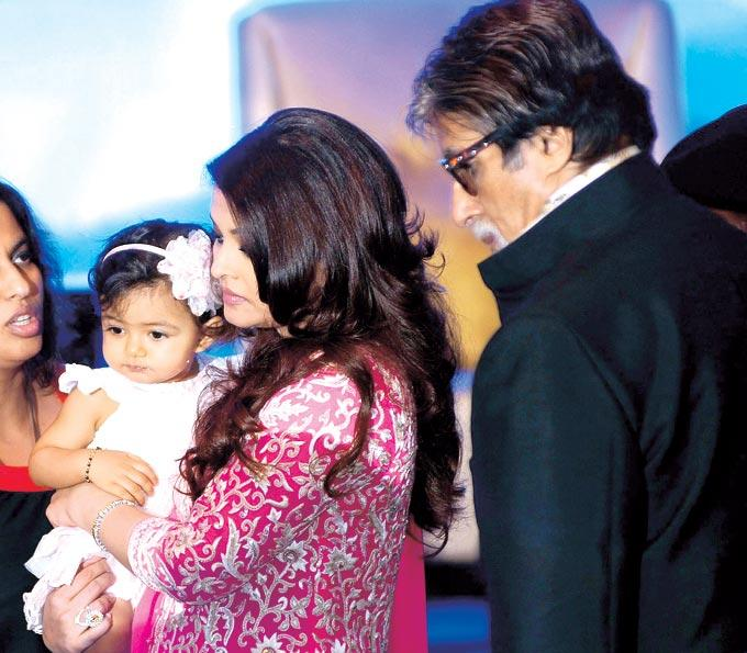 Aaradhya With Her Mom And Grand Father Amitabh Nice Still