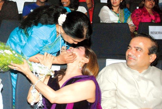 Asha Bhosle,Sapna Mukherjee And Suresh Wadkar At Asha 80th Birthday Celebrations