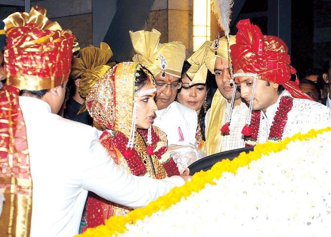 Ritiesh Deshmukh And Genelia D'Souza At Their Wedding Still