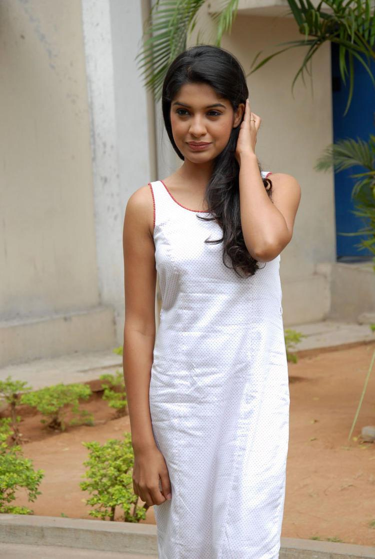 Archana Kavi Elegant Look Still At Back Bench Student Logo Launch