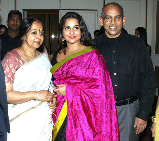 Vidya Balan With Her Mother And Ffather At Trident, Nariman Point