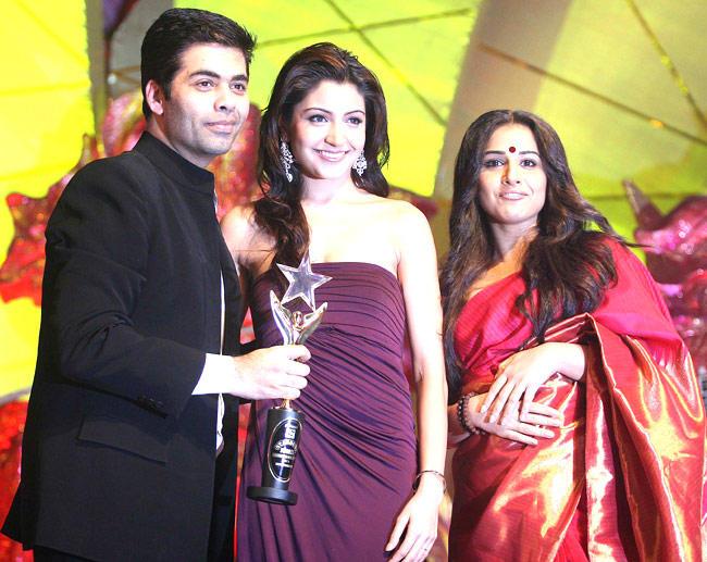 Vidya,Karan And Anushka At An Awards Function