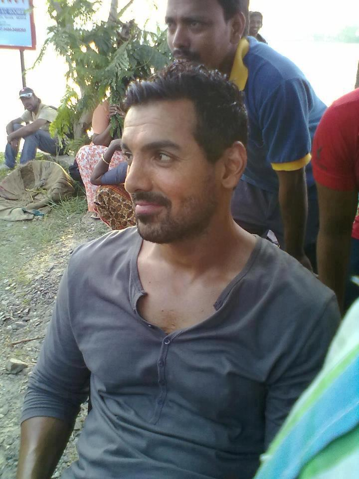 John Abraham Nice Look On The Sets Of Madras Cafe Movie