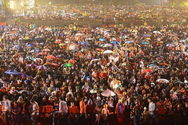 On Public Demand A. R. Rahman Performs Live Concert Thai Manne Vanakkam