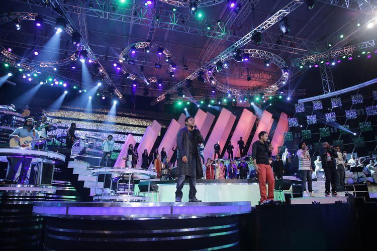 A. R. Rahman Enthralls Audience At Thai Manne Vanakkam Live Concert