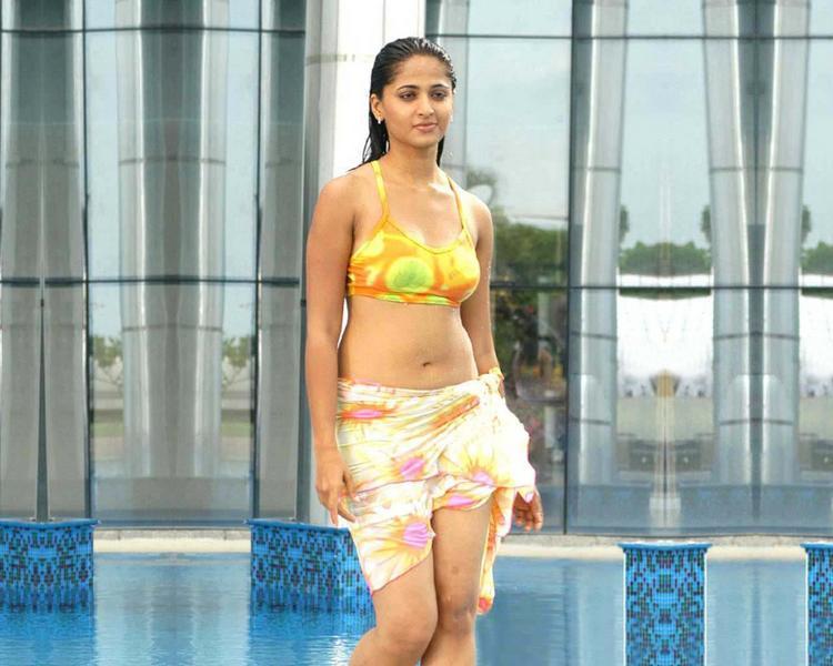 Anushka Shetty Hot Still At Swimming Pool