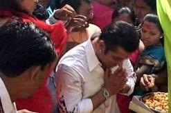 Salman at Ganesh Puja
