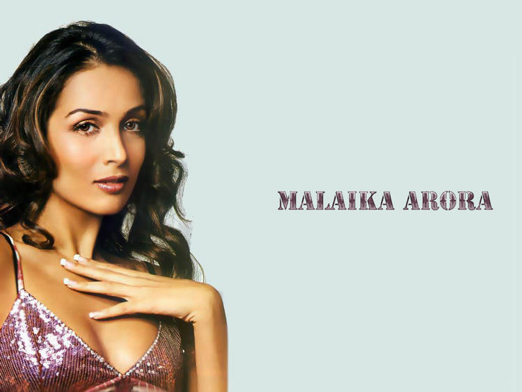 Malaika Arora Sexy Cleavages Show Wallpaper