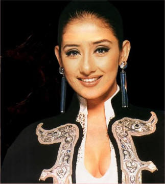 Monisha Koriala Long Earings Wallpaper
