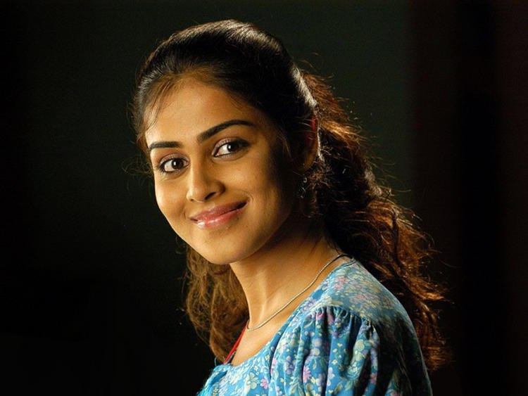Genelia D'souza Beauty Smile Face Wallpaper