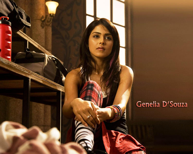 Genelia Dsouza Nice Look Wallpaper