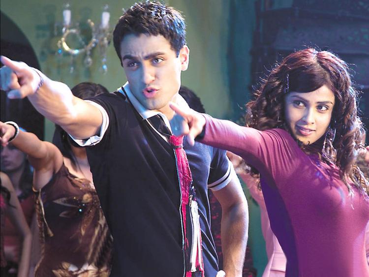 Genelia and Imran Sexy Dance Still